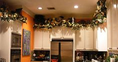 Image from http://www.decorate4holidays.com/Images/Moreland007a.JPG.