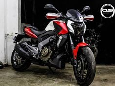 Bajaj Dominar 400 Custom Wrap With Red And White Matte Finish — Simple Yet Dynamic!