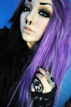 purple and black hair!!!<3 and the edward scissorhands ring