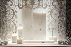See London's fashionable Christmas windows sparkle Window Display Design, Shop Window Displays, Store Displays, Retail Displays, Jewelry Store Design, Jewellery Display, Jewelry Booth, Mom Jewelry, Jewellery Boxes