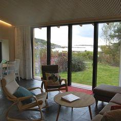 Fritidsbolig Dypeklo - Egil Norli AS - Byggmester Backyard Cottage, Little Houses, Tiny House, Windows, Building, Studio, Projects, Scandinavian Home, Modern