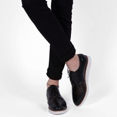 Pantofi Oxford din piele naturala negri Joely Oxford Shoes, Casual, Women, Fashion, Moda, Women's, Fashion Styles, Oxford Shoe, Woman