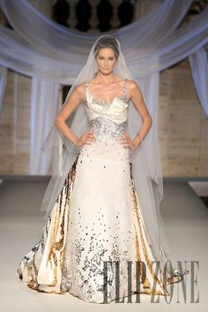 Abed Mahfouz Fall-winter 2008-2009 - Couture - http://www.flip-zone.com/fashion/couture-1/independant-designers/abed-mahfouz,679