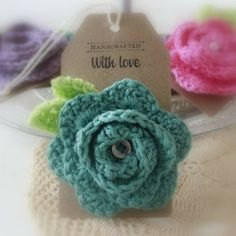 cute flower Unique Crochet, Love Crochet, Crochet Gifts, Beautiful Crochet, Crochet Stars, Crochet Puff Flower, Knitted Flowers, Crochet Flower Patterns, Crochet Roses