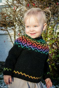 Ravelry: Rainbow pattern by Unnur Eva Arnarsdóttir with Mochi Plus - Would like great with Allegro Aran as the solid color. Free Knitting, Knitting Patterns, Types Of Fibres, Icelandic Sweaters, Hand Knitted Sweaters, Crystal Palace, Winter Months, Crochet Top, Crochet Baby