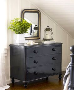 Brabourne Farm: Love .... Painted Drawers/walls