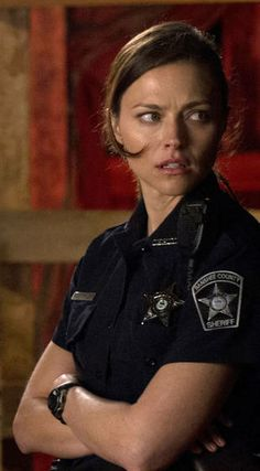 Trieste Kelly Dunn as Siobhan Kelly in Banshee. Love her character development in the past 2 seasons!