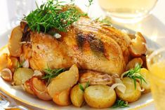 Honey Balsamic Glazed Chicken and Potatoes.A hearty weeknight meal of balsamic glazed chicken and potatoes! Crock Pot Recipes, Crock Pot Cooking, Drink Recipes, Dinner Recipes, Easy Roast Chicken, Roast Chicken Recipes, Turkey Recipes, Herb Roasted Turkey, Roasted Chicken