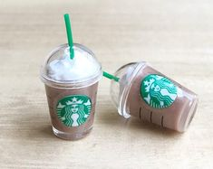 bottle crafts diy Ice Starbuck Green Tea Miniature, Green Tea cup Starbuck Miniature,Miniature for Doll's House collection. Miniature Crafts, Miniature Food, Dollhouse Miniature Tutorials, Starbucks Slime, Starbucks Frappuccino, Green Tea Cups, Biscuit, Mini Craft, Doll Food