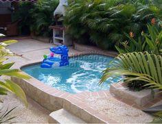 Caribbean Pool and Spa - Construcción de Piscinas en Puerto Rico - pequeña piscina para un patio pequeño, ideal para familias con niños