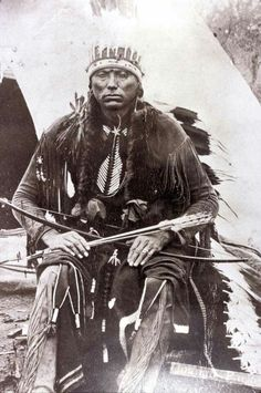 Source - Yale Collection of Western Americana, Beinecke Rare Book and Manuscript Library. Native American Pictures, Native American Beauty, Native American Tribes, American War, Native American History, Quanah Parker, Native Indian, First Nations, Shamanism