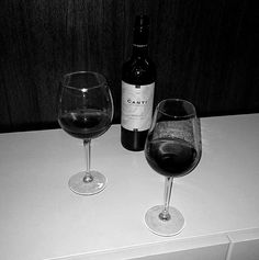 January 04 2020 at Night Aesthetic, Red Aesthetic, Fred Instagram, Alcohol Aesthetic, Music Mood, The Secret History, Alcohol Recipes, Instagram Story Ideas, Red Wine