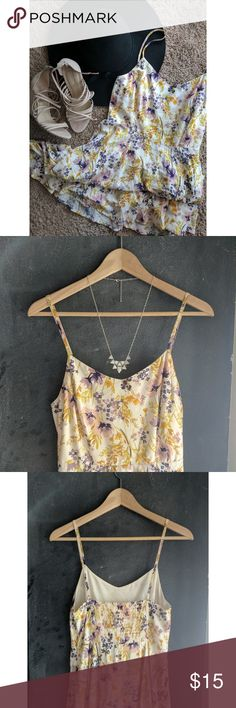 Floral Sun Dress These spaghetti straps and sweetheart neckline are just perfect for the summer. Fit and flare cut, cute and comfy. Fabric is light and cool. Fits standard medium. 🌺🌻 Comment with any questions. Offers accepted! Old Navy Dresses Midi