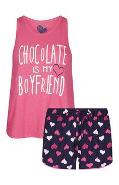 Primark - Pijama corto rosa San Valentín Chocolate Cute Pajama Sets, Cute Pjs, Cute Pajamas, Pajamas Women, Fashion Kids, Fashion Outfits, Pajama Outfits, Pajama Shorts, Lazy Day Outfits