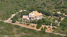 Majestic 4 bedroom villa with heated pool and seaviews in Goldra, Loulé, Algarve, Portugal - http://www.portugalbestproperties.com/component/option,com_iproperty/Itemid,16/id,1334/view,property/