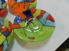 cuenco My Glass, Glass Art, Glass Fusion Ideas, Amaco Glazes, Glass Fusing Projects, Fused Glass Plates, Glass Design, Plates On Wall, Mosaic