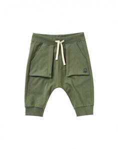 Shop Sweat bermudas Dark Green for BOTTOMS at the official United Colors of Benetton online shop. Baby Boy Fashion, Toddler Fashion, Kids Fashion, Cute Outfits For Kids, Baby Boy Outfits, Toddler Boys, Baby Kids, Baby Couture, Stylish Boys