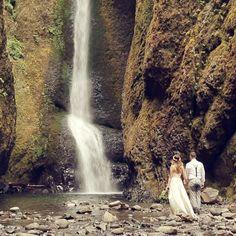 Ashley + Andrew's beautiful Oneonta Gorge elopement // Columbia Gorge, Oregon // movingpictureweddings.com