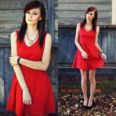 Lady in a red dress: http://mademoiselle-kate.blogspot.com/2013/08/lady-in-red-dress.html