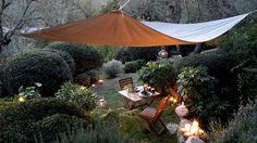 10 idées pour faire de l'ombre dans le jardin // http://www.deco.fr/diaporama/photo-10-idees-pour-faire-de-l-ombre-dans-le-jardin-54238/