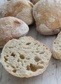 Eli-fri ciabatta – Food On The Table – Oppskrifters Ciabatta, Norwegian Food, Norwegian Recipes, Piece Of Bread, Biscuit Cookies, Food Cravings, Bread Baking, Granola, Scones