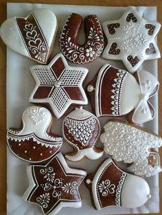 Traditional Christmas Cookies, Christmas Sugar Cookies, Christmas Gingerbread, Holiday Cookies, Christmas Treats, Gingerbread Cookies, Christmas Holiday, Fancy Cookies, Iced Cookies