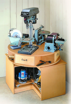 "Woodworking tools storage - Revolving Tool Station Woodsmith Plans Give the ""carousel"" on top a spin or rotate the turntable underneath to provide easy access to your power tools woodworkingprojects woodworkingplans Garage Tool Storage, Workshop Storage, Garage Tools, Power Tool Storage, Garage Shop, Workshop Ideas, Bag Storage, Wood Workshop, Storage Organizers"