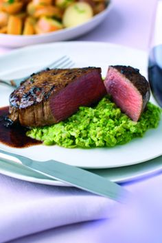 A special, easy to prepare supper dish with tarragon and shallot butter served on a bed of pea puree. Cooking Tips, Cooking Recipes, Beef Fillet, Easy Steak Recipes, Beef Sirloin, Butter Recipe, Food Inspiration, Nom Nom, Nutrition