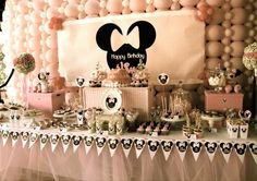 Minnie Mouse themed birthday party via Kara's Party Ideas Favors, banners, decor, recipes, cupcakes, and more! #minniemouse #minniemouseparty (3)