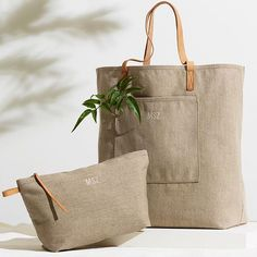 Au naturel Cute Tote Bags, Reusable Tote Bags, Monogram Pillows, Summer Bags, Instagram Shop, Minimalist Fashion, Burlap, Sewing Projects, Satchel