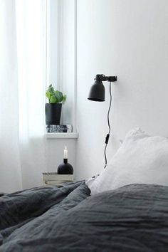 of light and dark: the most beautiful living ideas from March Master Bedroom Design, Home Bedroom, Bedroom Decor, Minimal Bedroom, Minimalist Home Interior, Dream Decor, Guest Bedrooms, My New Room, House Rooms