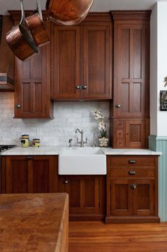 Barn Kitchen, New Kitchen Cabinets, Kitchen Redo, Kitchen Remodel, Kitchen Design, Craftsman Style Kitchens, Bungalow Kitchen, Farmhouse Style Kitchen, Home Kitchens