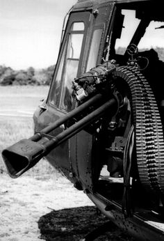 images of 50 caliber machine gun 700 rounds door mounted Big Guns, Cool Guns, Military Weapons, Military Aircraft, Military Life, Fire Powers, Military Equipment, War Machine, Firearms