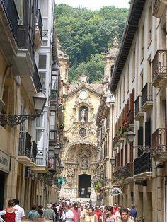 church of Santa Maria del Coro in the old town of San Sebastian.  España Facebook - https://www.facebook.com/pages/Espa%C3%B1a/103683426341641