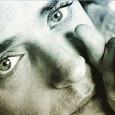 Gustavo Cerati y los ojos mas bellos !                                                                                                                                                      Más