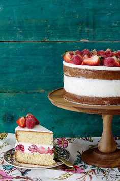 Easy Mixed Berry Layered Cake | Bakers Royale