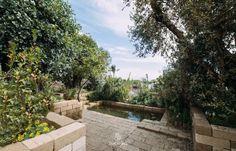 #JamesBasson e #SarahEberle, i due #paesaggisti di fama internazionale, attualmente impegnati al #RadicepuraGardenFestival, hanno vinto le #medaglie d'oro nelle rispettive categorie nell'ambito dell'evento organizzato dalla Royal Horticultural Societ. #paesaggismo #giardini #cultura #sicilia #londra