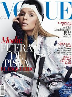 Vogue Spain features top model Josephine Skriver on the cover of their January 2017 edition captured by fashion photographer Patrick Demarchelier. Vogue Magazine Covers, Fashion Magazine Cover, Fashion Cover, Vogue Covers, Magazine Photos, Stella Maxwell, Patrick Demarchelier, Vogue Spain, Vogue Uk