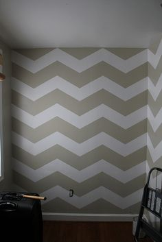 chevron accent wall - OoOoh maybe in turquoise and off white...with coral accents.