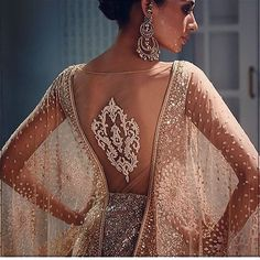 Stunning dress 😍😍😍