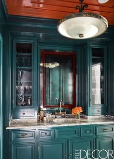 Tour a Chicago Apartment Full of Art Deco Design Elements Green Kitchen Designs, Modern Kitchen Design, Kitchen Colors, Kitchen Ideas, Kitchen Decor, Art Deco Kitchen, Green Kitchen Cabinets, Blue Cabinets, Pantry Cabinets