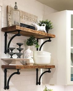 Playing along this morning for #thepolishedfarmhouse hosted by @therenovatedroost and @acleanprismlife. So fun! I decide to zoom in on the open shelving in my kitchen. One of my faves are those tin cupcake stands! #shelfie #farmhouse #themorrismanor