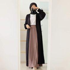 Stylish Hijab, Modest Fashion Hijab, Street Hijab Fashion, Modesty Fashion, Abaya Fashion, Moslem Fashion, Hijab Style Tutorial, Hijab Fashionista, Hijab Fashion Inspiration