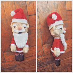 Jojojo #amigurumi #arttoy #crochet #crochettoy #doll #diy #ganchillo #handmade #hechoamano #japan #kids #lossospechosostoys #pattern #picoftheday #uncinetto #christmas #santaclaus
