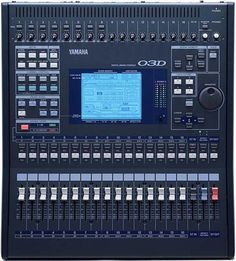 Pictures and images Yamaha Diy Electronics, Electronics Projects, Yamaha Mixer, Music Mixer, Electronic Circuit Projects, Recording Studio Design, Images Gif, Audio Sound, Cool Technology
