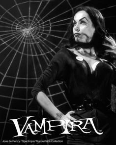 Maila Nurmi, 'Vampira' on set 1954 near her 'poison bar Cool Monsters, Famous Monsters, Classic Monsters, Horror Monsters, Horror Art, Horror Movies, Los Addams, Maila, Divas
