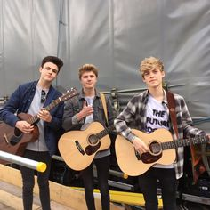 I love blakes guitar😍 Blake Richardson, Reece Bibby, Hollywood Records, New Hope Club, Our Friendship, Debut Album, Fangirl, It Cast, Celebs