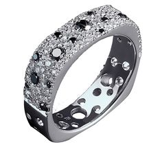 Эксклюзивный дизайн, великолепное исполнение — золотое кольцо с бриллиантами для шикарных леди. Изделие выполнено в белом золоте, благодаря этому бриллианты светятся особенно ярко. Купить золотое кольцо — приобрести украшение, которым Вы будете довольны. Предлагаем Вашему вниманию другие украшения ювелирного бренда Nico Juliany.