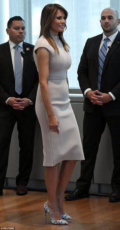 Event: The first lady, attended a reception welcoming spouses of visiting heads of state and other foreign delegations in the morning Melanie Trump, Milania Trump Style, Melania Knauss Trump, Donald And Melania, First Lady Melania Trump, Fashion Outfits, Womens Fashion, Classy Outfits, Dress To Impress
