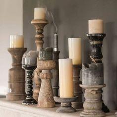 We love candles! Mix verschillende kaarsen en kandelaars. En vergeet ook vooral niet te spelen met verschillende kleuren en hoogtes. #kaarsen #kandelaar #oudhout #kaars #candles #styling #interieur #debongerd #landelijkwonen #kaarsenhouders #rustiek #zwart #landelijk #instawonen
